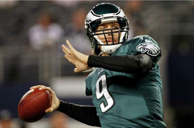 Philadelphia Eagles quarterback Nick Foles (9) warms up before an NFL football game against the Dallas Cowboys, Sunday, Dec. 2, 2012, in Arlington, Texas. (AP Photo/Tony Gutierrez) Photo: Tony Gutierrez, Associated Press / AP