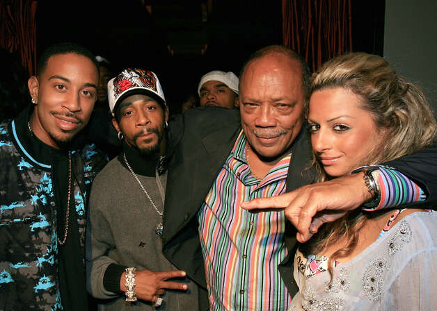 Rapper Chris Ludacris comedian Katt Williams, music writer/producer Quincy Jones and his girlfriend Heba Elawadi pose for photos during Bridges' Release Therapy listening party on Aug. 21, 2006, at Social Hollywood in Hollywood, Calif. Photo: Michael Buckner / Getty Images