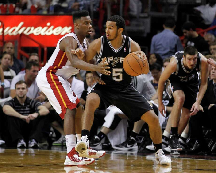 Readers share their opinions about the fine that David Stern handed to the San Antonio Spurs after their game with Miami Heat on Nov. 29. Photo: Alan Diaz, Associated Press / AP