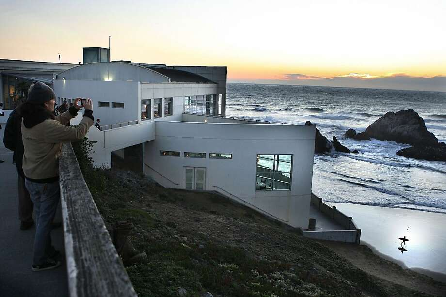 The Cliff house during sunset in San Francisco, Calif.,  on Thursday, November 10, 2011. Photo: Liz Hafalia, The Chronicle