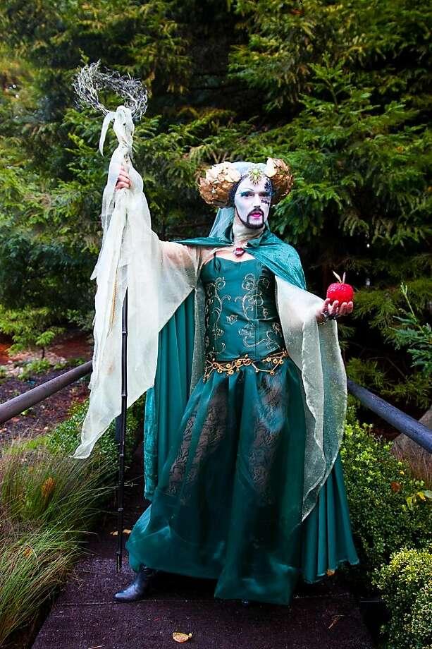 "Sister Eden in an original design by Fernando Ruiz called ""Strange Gardens, Dangerous Fruits."" Photo: Drew Altizer Photography"