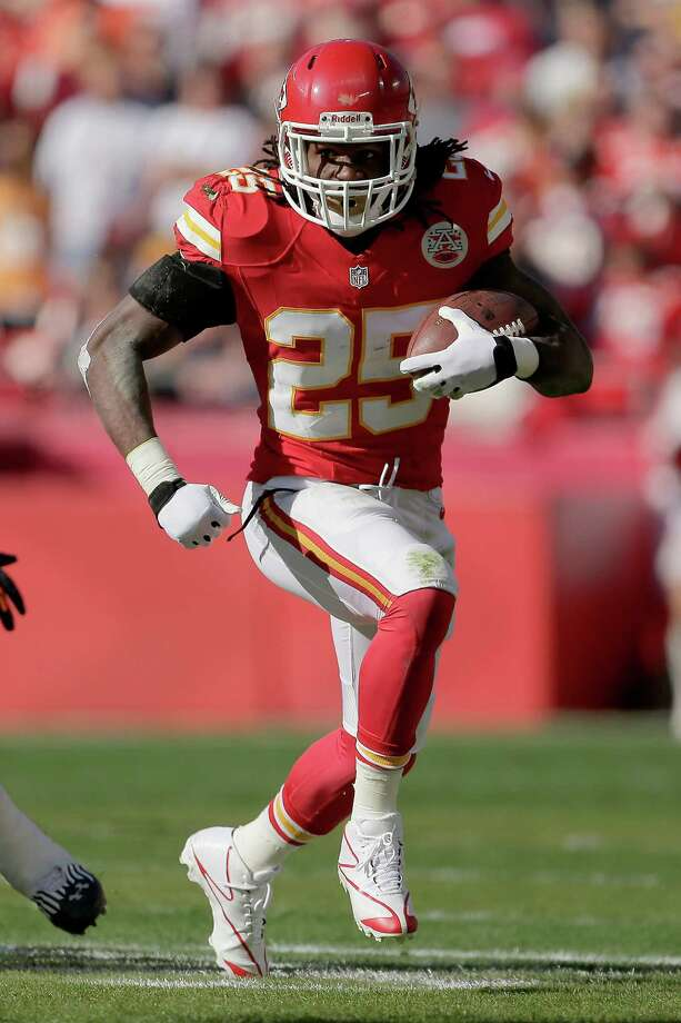 Kansas City Chiefs running back Jamaal Charles runs during the first half an NFL football game against the Denver Broncos Sunday, Nov. 25, 2012, in Kansas City, Mo. (AP Photo/Charlie Riedel) Photo: Charlie Riedel, STF / AP