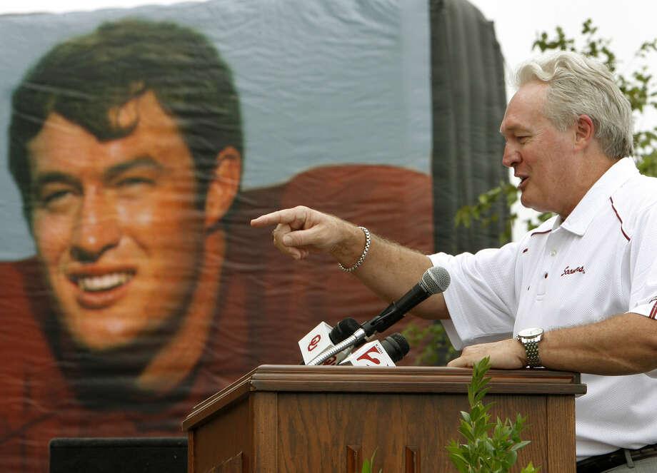 1969: Steve Owens  School: Oklahoma Position: FB  Class: Senior  / AP2006