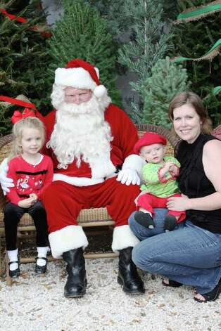 Santa Photos – Saturday, December 1, 2012 Milberger Landscaping and Nursery Photo: Express-News