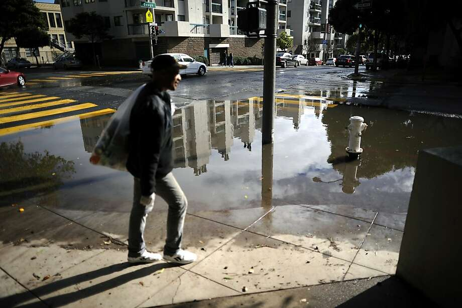 "Scientists can now measure the moisture carried by an ""atmospheric river."" Photo: Michael Short, Special To The Chronicle"