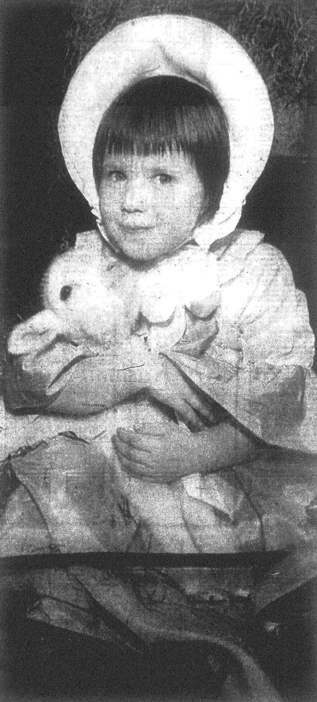 Little Miss Rosslyn Jeanne Harlow, 3, daughter of Mr. and Mrs. Philip G. Harlow, is