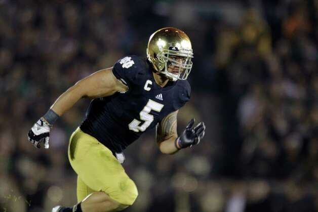 Notre Dame linebacker Manti Te'o  during the second half of an NCAA college football game against Wake Forest in South Bend, Ind., Saturday, Nov. 17, 2012. Notre Dame defeated Wake Forest 38-0. (AP Photo/Michael Conroy) Photo: Michael Conroy, Associated Press / AP