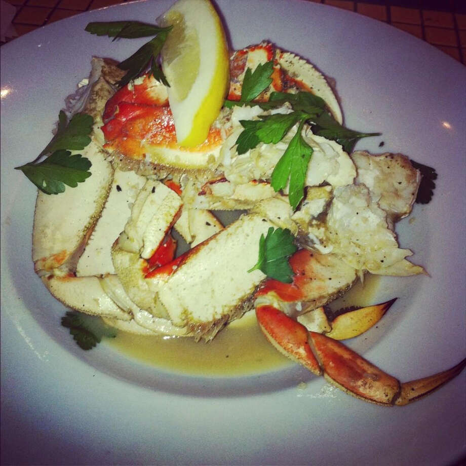 Yankee Pier: Whole roasted crab