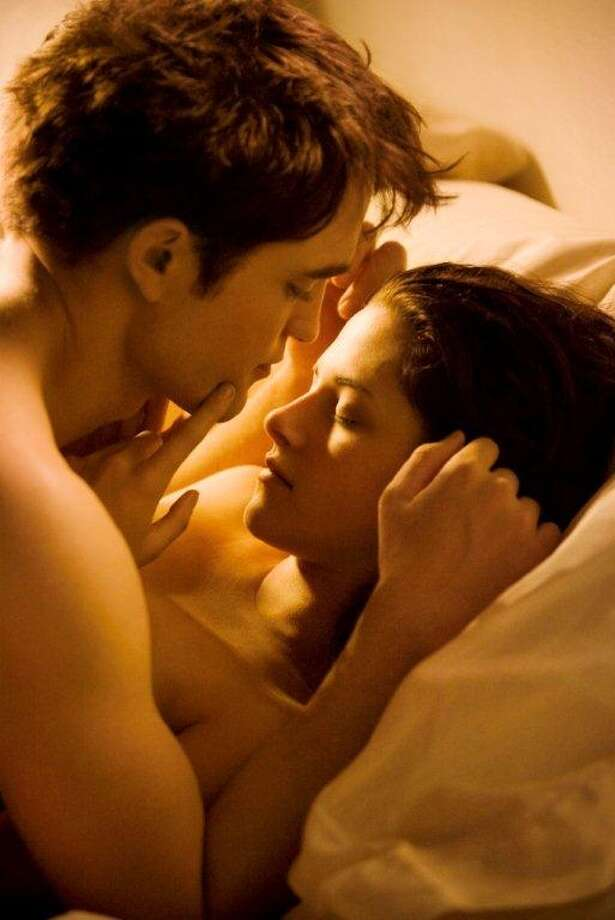 Robert Pattinson and Kristen Stewart in Twilight.