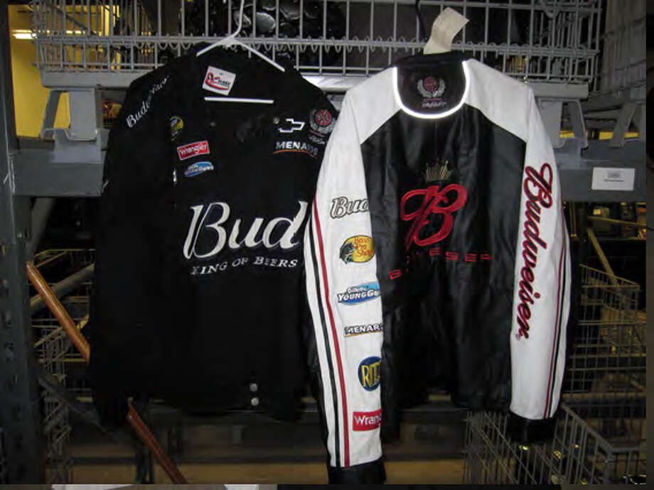 The items will be available for viewing at 5:30 p.m. on Dec. 6, 2012, at  the VFW Post No. 8196, 650 VFW Blvd., and bidding begins an hour later. Photo: Courtesy Photo