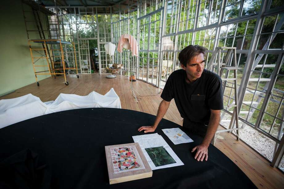 Artist Nestor Topchy has