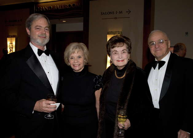 Mac Rattan, Phyllis Siegel, Lila Cockrell and Brigadier General Julius Braun, U.S. Army Ret., get together at the World Affairs Council International Citizen of the Year event honoring Graham Weston and featuring speaker Arianna Huffington at the Marriott Rivercenter Hotel. Photo: Jamie Couch Karutz, SPECIAL TO THE EXPRESS-NEWS / Copyright: Jamie Karutz All Rights Reserved