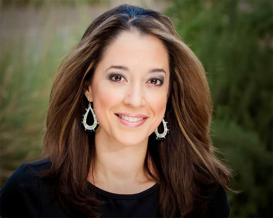 CBS News correspondent Mireya Villarreal opens up about her miscarriage while reporting on the California wildfires. Photo: WOAI