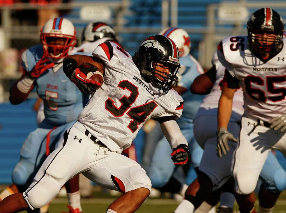 Westfield's Emmitt Raleigh (34) was solid against Dallas Skyline, but the Mustangs could not overcome to the north Texas team in a 38-33 defeat last week. Photo: Stan Olszewski, Staff Photographer / Stan Olszewski/The Dallas Morning News