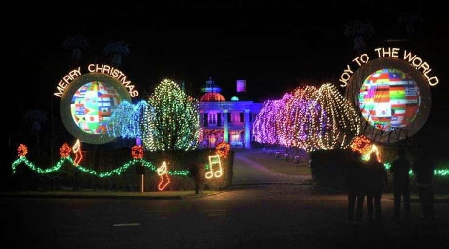 The holiday lights display at the Belle Haven mansion of Paul Tudor Jones II Sunday night, Dec. 2, 2012. Photo: Bob Luckey