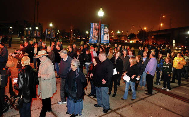 Lines start to swell as people enter at the Webster Bank Arena to see Patti Smith and Neil Young in concert in Bridgeport, Conn. on Tuesday December 4, 2012. Photo: Christian Abraham / Connecticut Post