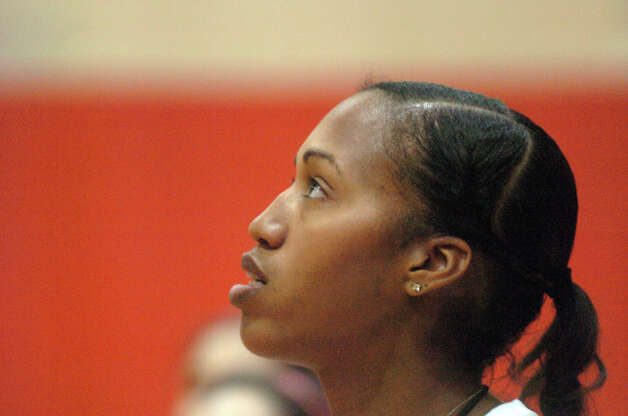 Greenwich High School girls basketball Coach Chrys Hernandez holds practice at the school in Greenwich, Conn., Dec. 4, 2012. Photo: Keelin Daly / Stamford Advocate Riverbend Stamford, CT