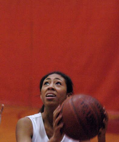 Greenwich High School girls basketball captain Jenny Cespedes practices at the school in Greenwich, Conn., Dec. 4, 2012. Photo: Keelin Daly / Stamford Advocate Riverbend Stamford, CT
