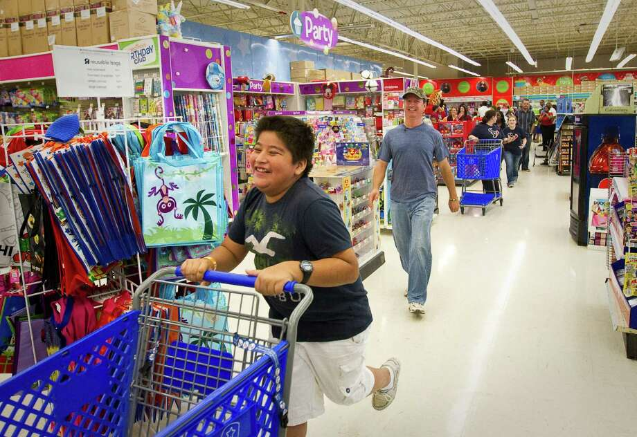 Toys R Us will add about 45,000 seasonal workers this fall at its stores and distribution centers. Hiring runs through December.Source: CBS Photo: Nick De La Torre, Houston Chronicle / © 2012  Houston Chronicle