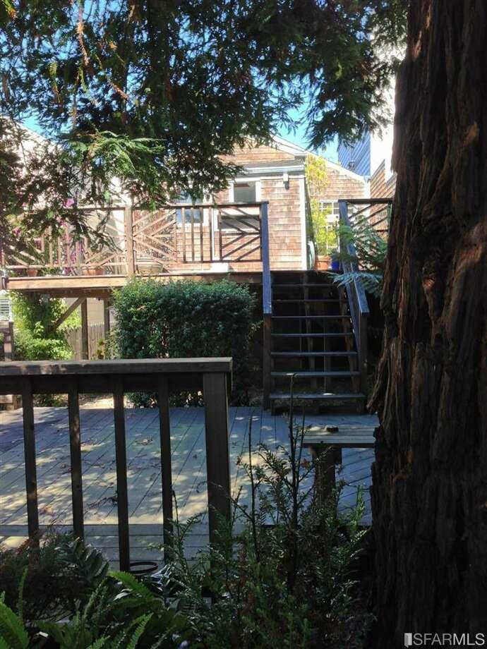 Rear porch (www.41clipper.com)