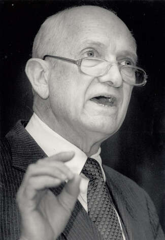 Jack Brooks addresses the County Judge Commissioners Association of Texas in 1986. Enterprise file photo