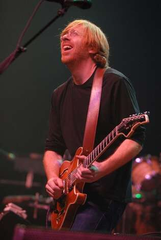Times Union staff photo by Lori Van Buren -- Trey Anastasio plays to a sold-out crowd at the Palace Theatre in Albany, NY on Friday, December 29, 2006. (ALBANY TIMES UNION)