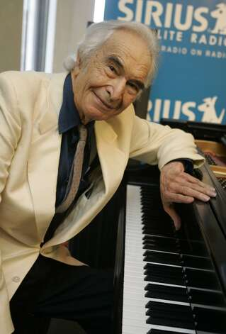 Jazz legend Dave Brubeck pose during rehearsals at Sirius Satellite Radio studios in New York, Thursday July 12, 2007. He will receive the Lifetime Achievement Award during the BBC 2007 Jazz Awards in London today as he participates via satellite from Sirius.  (AP Photo/Richard Drew) (A\P)