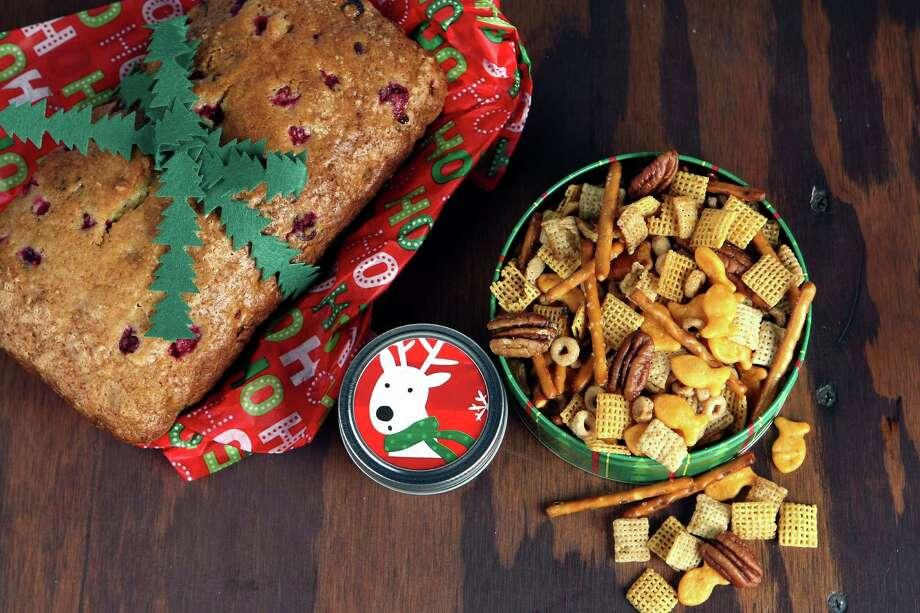 Holiday food gifts Photo: Helen L. Montoya, San Antonio Express-News / ©SAN ANTONIO EXPRESS-NEWS