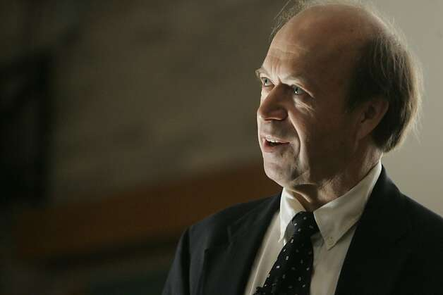 James Hansen, who received an award from the Commonwealth Club, says a carbon tax would be more effective than the state's cap-and-trade program. Photo: Melanie Patterson, The Daily Iowan/AP / SF