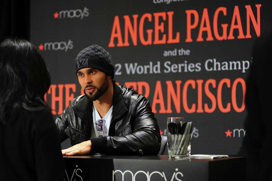 San Francisco Giants center fielder Angel Pagan meets fans at Macy's in San Francisco. Photo: Michael Short, Special To The Chronicle / ONLINE_YES