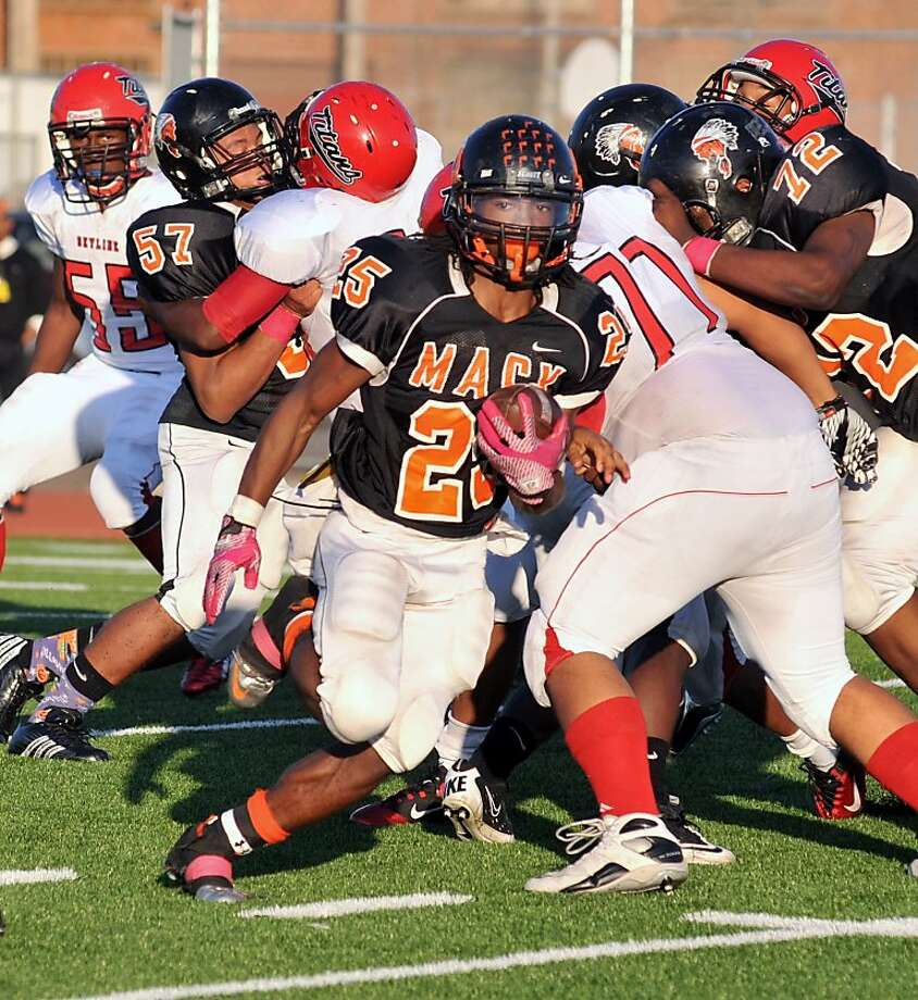 Running back Kenyatta McGee Jackson helped McClymonds outscore its Oakland Athletic League foes 242-21. Photo: Eric Taylor, 1st String Magazine