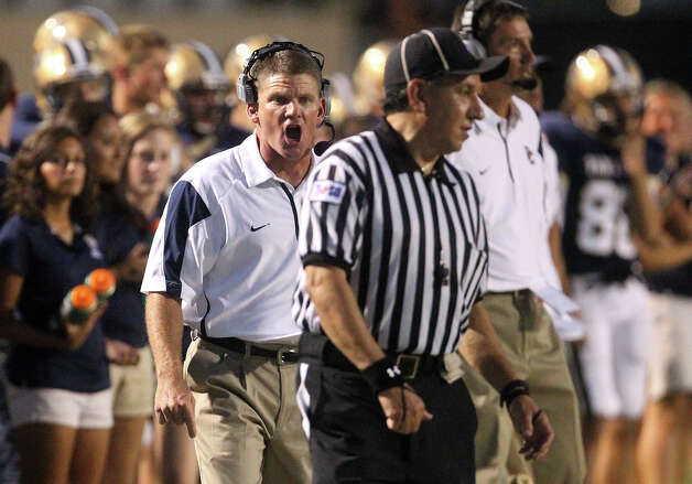 O'Connor head coach David Malesky offers his opinion at a game official during their game against Reagan at Farris Stadium on Friday, Sept. 7, 2012. Photo: Kin Man Hui, San Antonio Express-News / ©2012 San Antonio Express-News