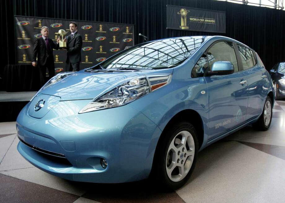 Nissan Leaf: The Nissan Leaf might not be a flop in the mind of green  energy fans, but it hasn't won over the mass audience yet. The sales haven't  lived up to Nissan's expectations. Photo: Richard Drew / AP