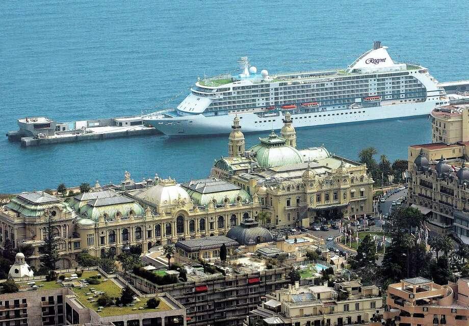 Seven Seas Voyager, Monte Carlo  R156E Photo: Seven Seas