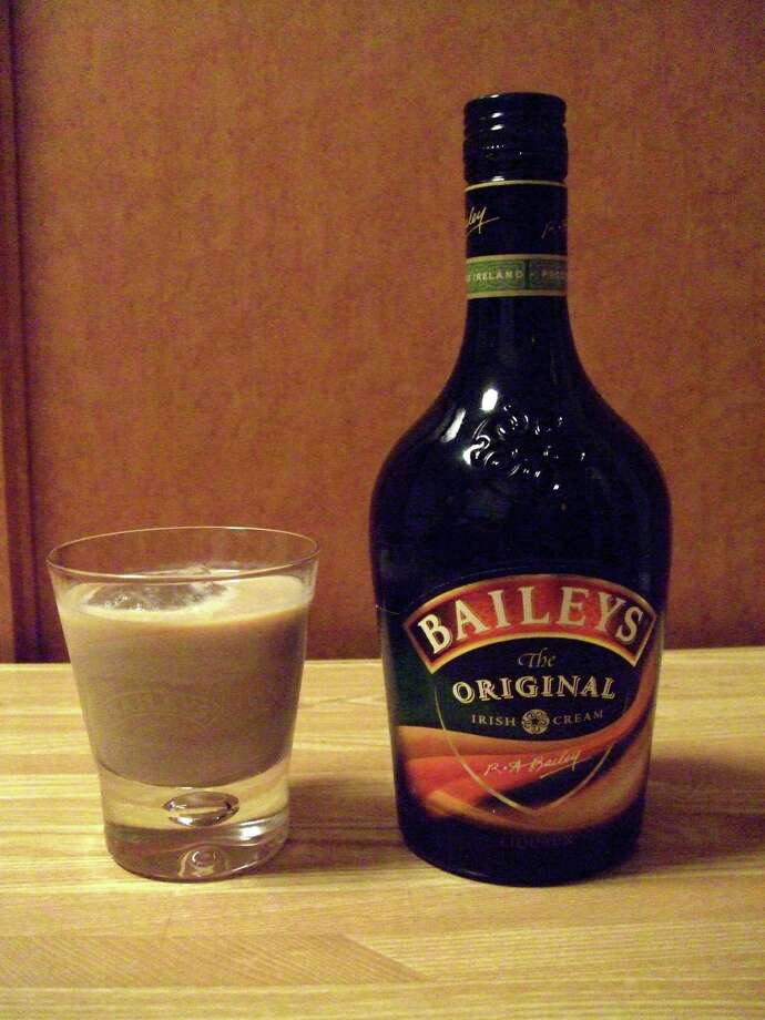 11. Christmas cookie- 1 oz. peppermint schnapps- 1 oz. Kahlua- 1 oz. Bailey's Irish CreamPour all the ingredients into a cocktail shaker with ice, shake it up, strain the concoction into a martini glass -- and you're done! Photo: Public Domain / Wikimedia Commons