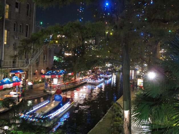 Looking down on the River Walk from the Losoya Street bridge.