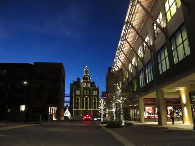 The Pearl complex at night.