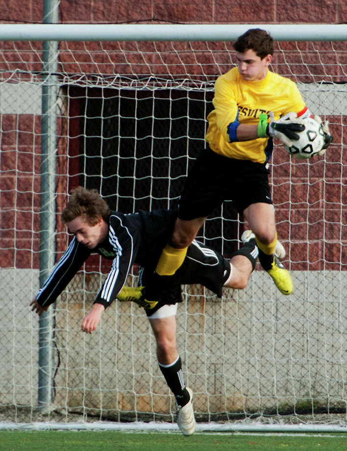 Fairfield Prep goalie Will Steiner, right, was named as an NSCAA All-American on Monday. Photo: Mark Conrad / Connecticut Post Freelance