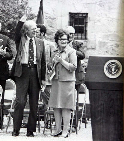 Former President Gerald Ford and former San Antonio mayor Lila Cockrell wave and applaud on the grounds of the Alamo during his visit here in 1976.  Photo: COURTESY LILA COCKRELL