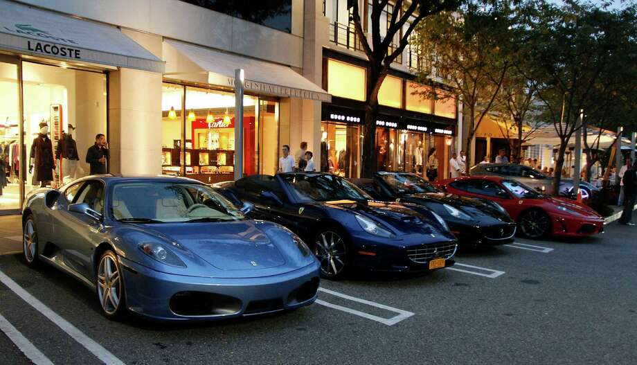 20. 11030: Located at Manhasset, N.Y., this ZIP code is home to 4,758 families where the median family income is $208,871. A mall parking lot there is pictured above. Photo: Janette Pellegrini, / / 2012 Getty Images
