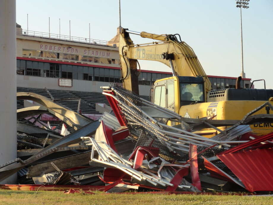 The first phase, which begins Sunday through Dec. 9, will involve the stripping of the interior of the stadium in preparation for stadium demolition.  (Joseph Duarte / Chronicle)