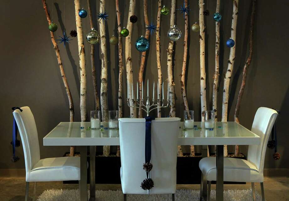 Have the nicest Hanukkah dinner ever. Photo: J.B. Forbes, McClatchy-Tribune News Service / St. Louis Post-Dispatch