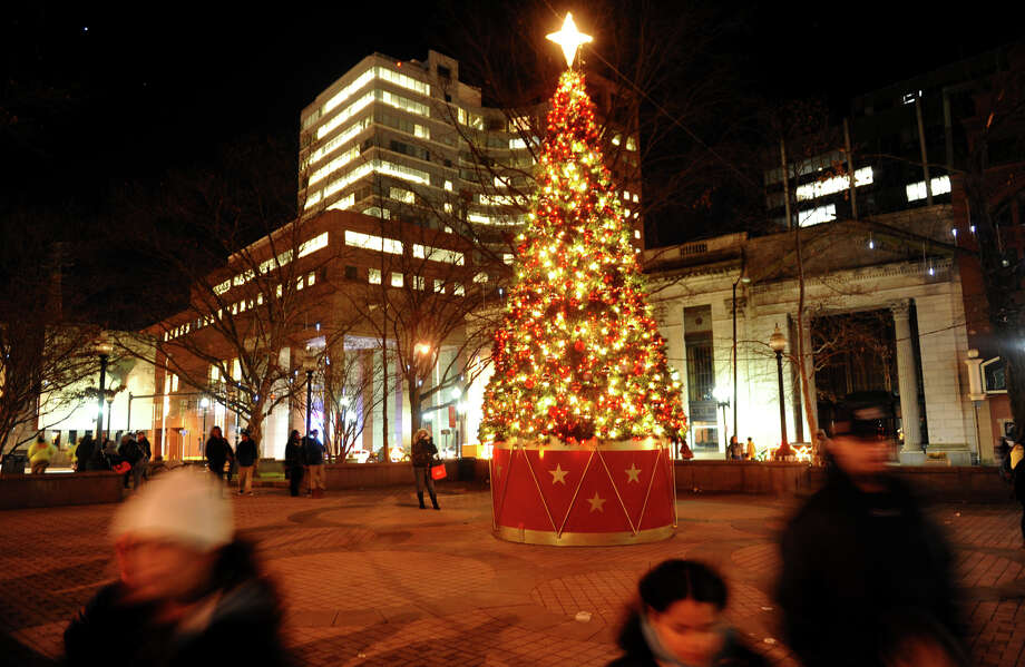 The crowds thin out after the annual Downtown Holiday Tree Lighting at McLevy Green in downtown Bridgeport, Conn. on Thursday December 6, 2012. Photo: Christian Abraham / Connecticut Post