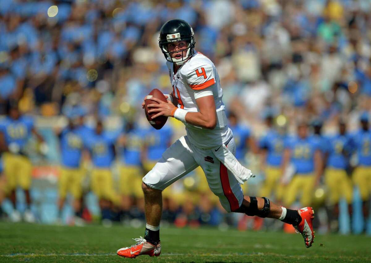 Oregon State quarterback Sean Mannion gets set to pass during the second half of their NCAA college football game against UCLA, Saturday, Sept. 22, 2012, in Pasadena, Calif. Oregon State won 27-20. (AP Photo/Mark J. Terrill)
