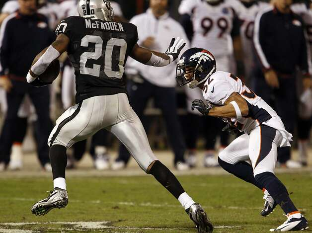 Darren McFadden returned to action against the Broncos and scored on a six yard run in the second quarter. The Oakland Raiders played the Denver Broncos at O.co Coliseum in Oakland, Calif., on Thursday, December 6, 2012. Photo: Carlos Avila Gonzalez, The Chronicle