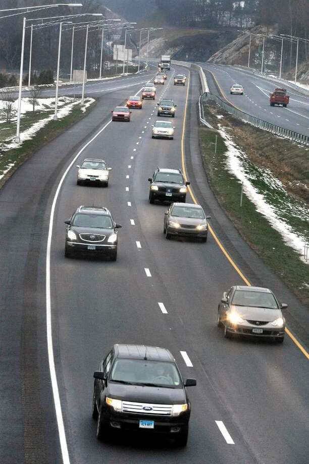 Morning rush hour traffic on Super 7 in Brookfield, on Tuesday, Dec.15,2009. Photo: Michael Duffy / The News-Times