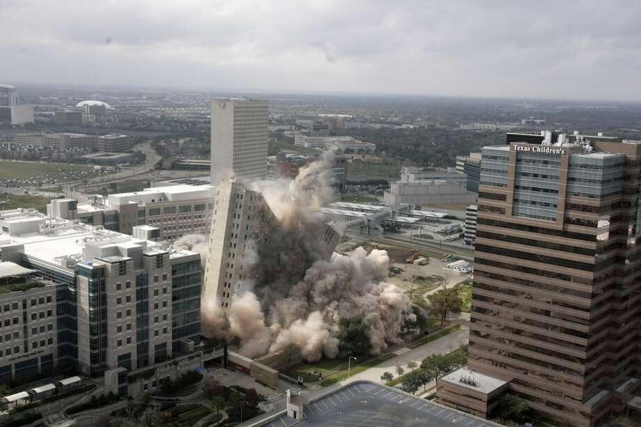 M.D. Anderson's Houston Main Building (Nick de la Torre / Houston Chronicle)