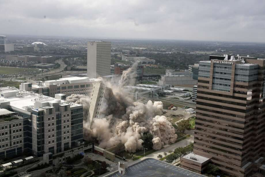 M.D. Anderson's Houston Main Building (Nick de la Torre / Houston Chronicle)