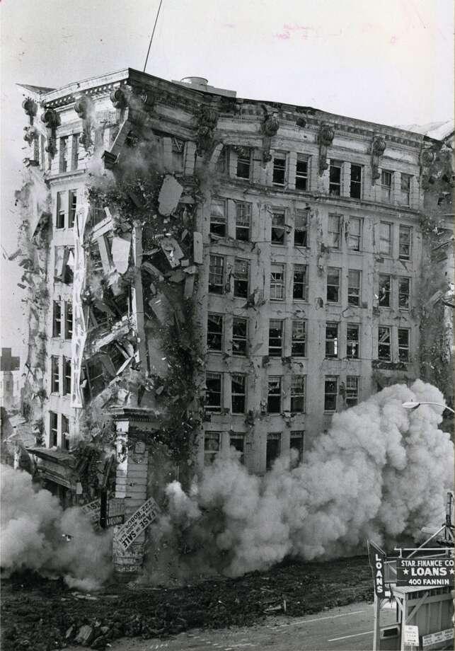 Stewart Building implosion, July 15, 1973.  (David Nance / Houston Chronicle)