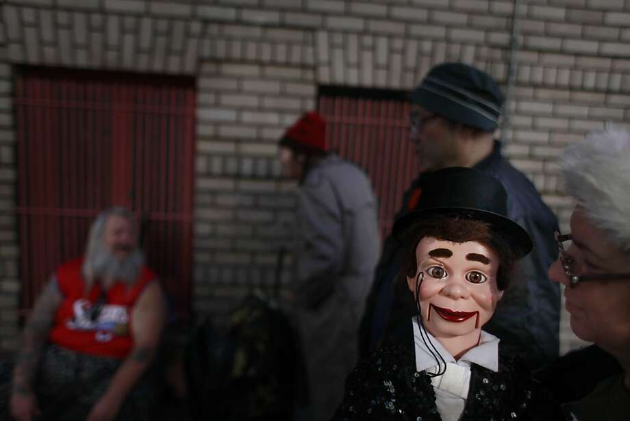 Indiana Munoz and her Charlie McCarthy doll Photo: Mike Kepka, The Chronicle